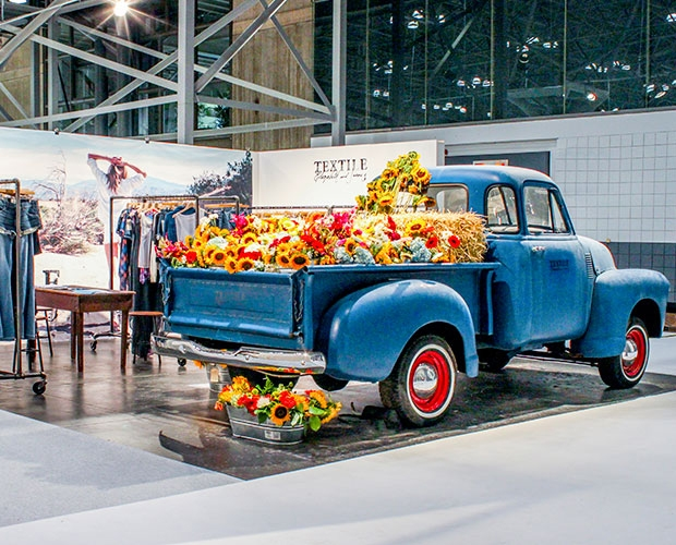 2021 trade show trends, event industry trends 2021, trade booth design trends, latest trade news, trade show industry, fashion, promotional products